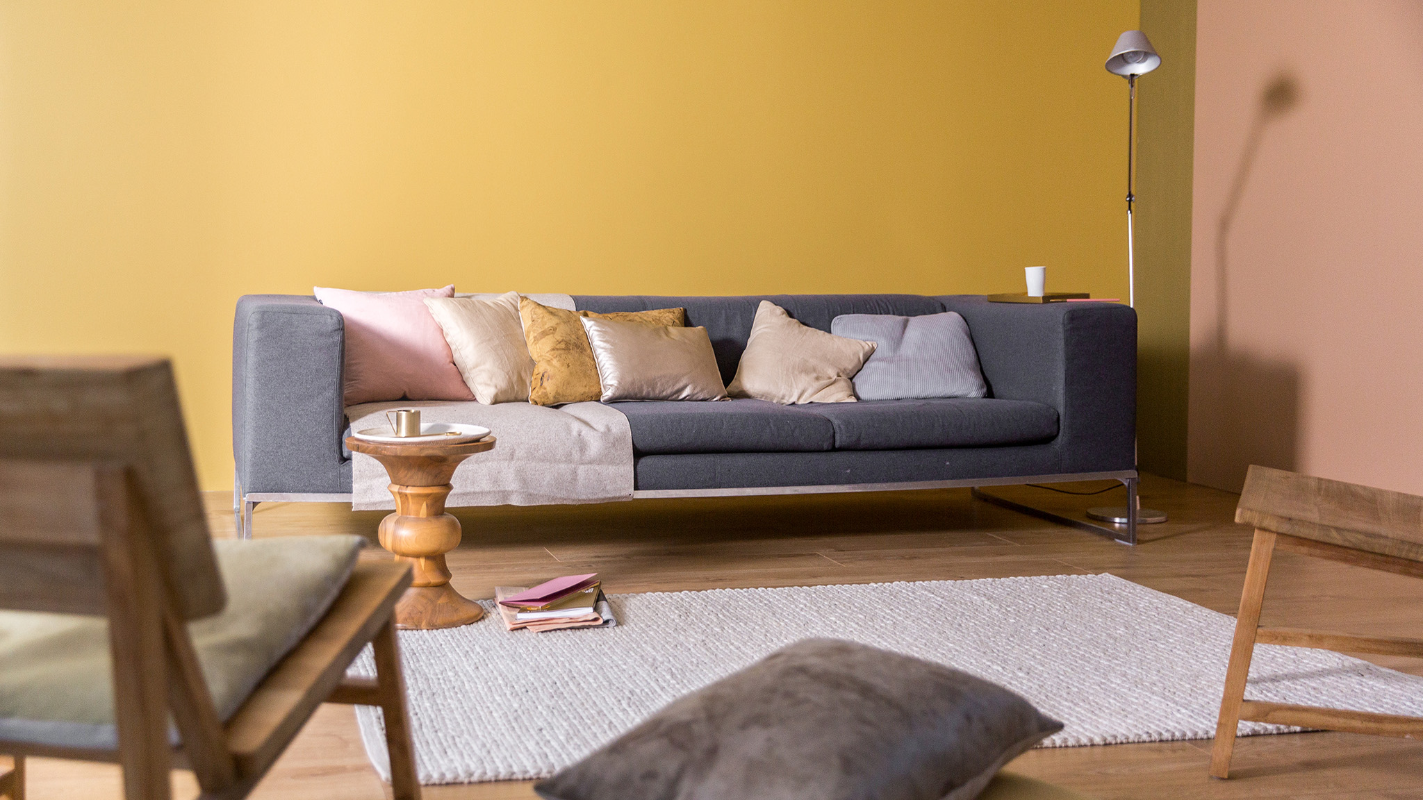 Dulux_family_living_room_UK_5