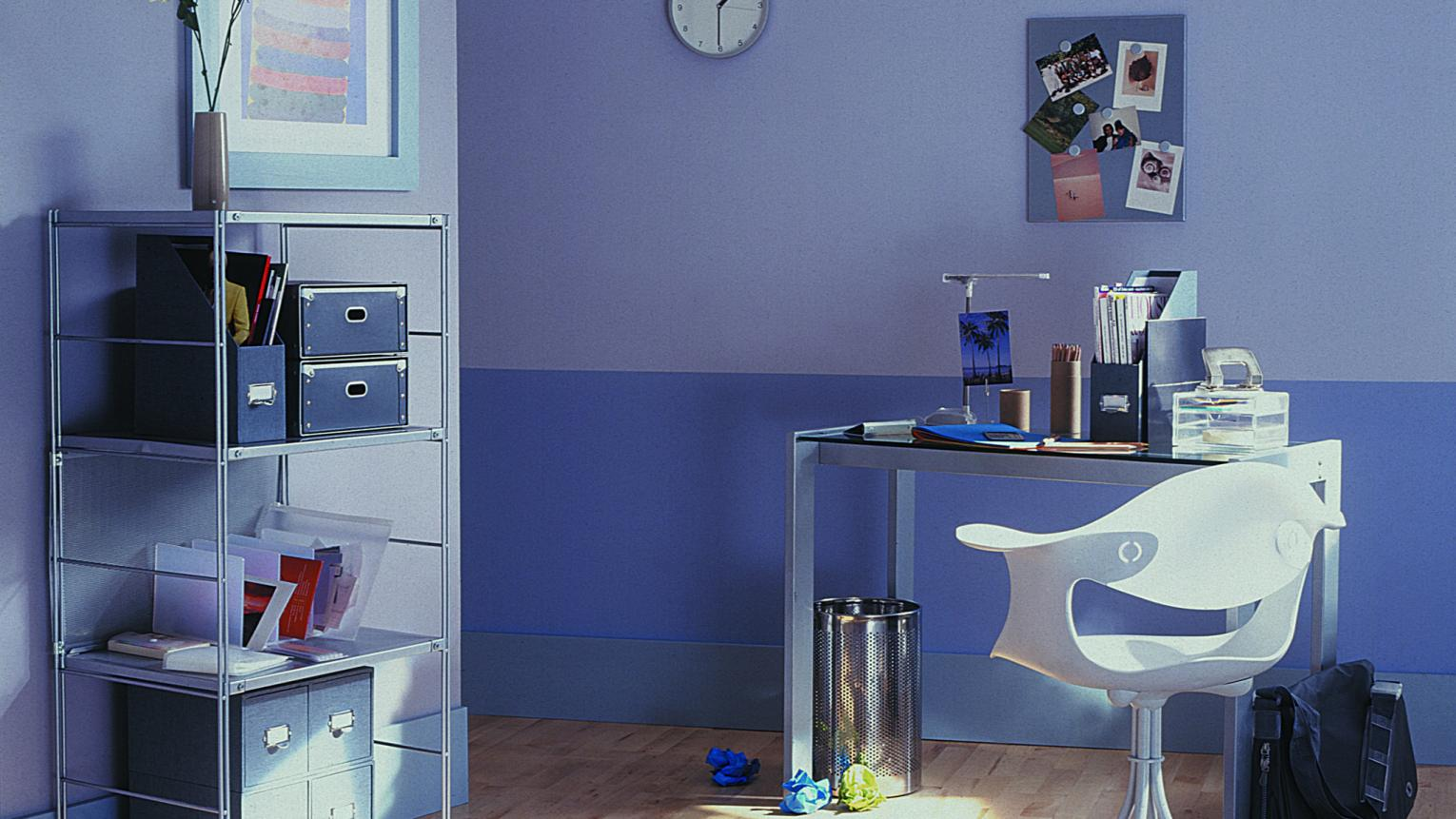 Invigorate an office with violet shades