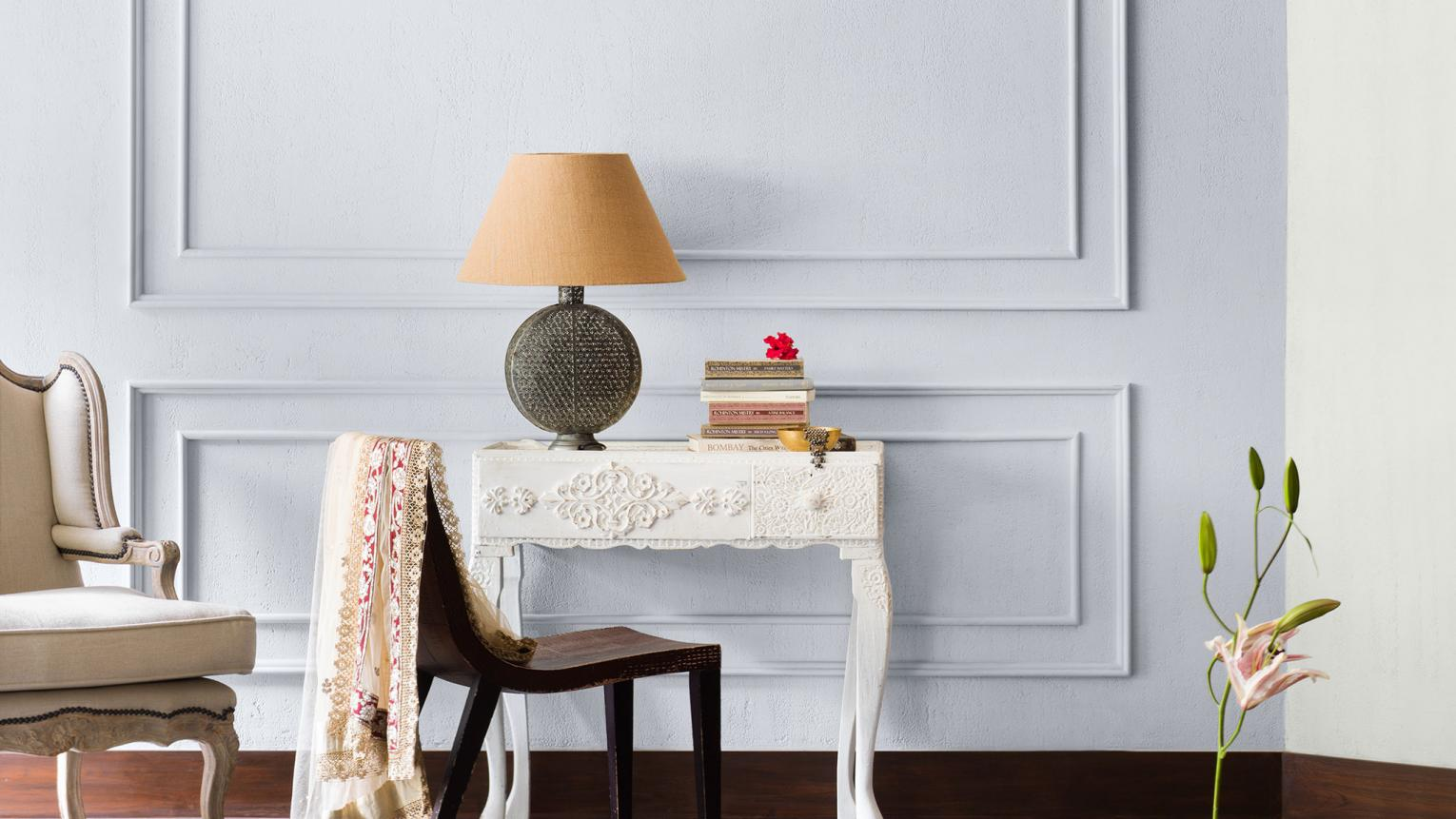 Warm white, cool white, or a mix of both? Discover when to paint warm and cool whites, and how to mix them for an elegantly understated look.