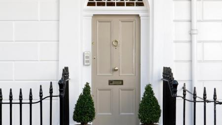 Best paint shades for the front door